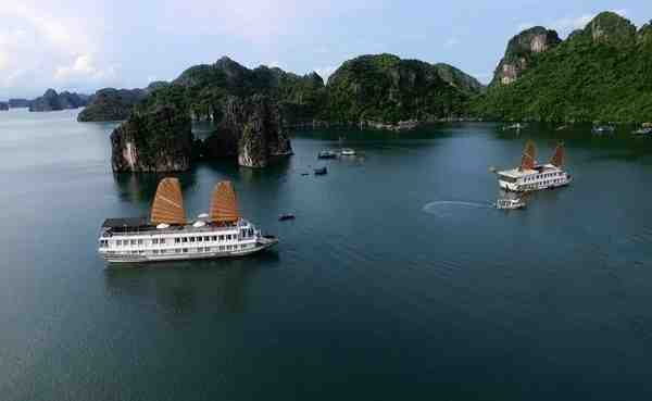 Halong Bay ( fullday )